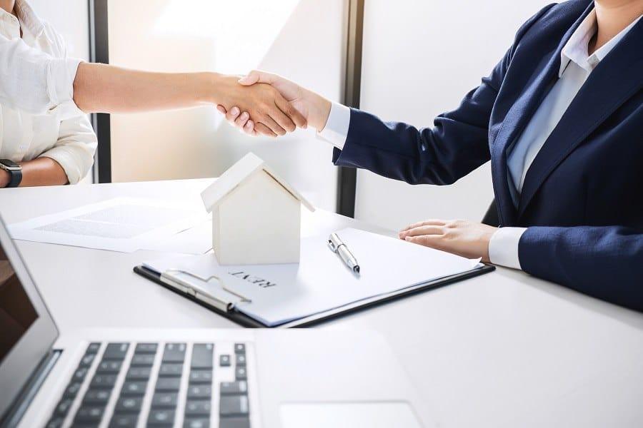 Comment louer son bien immobilier pour une entreprise ?